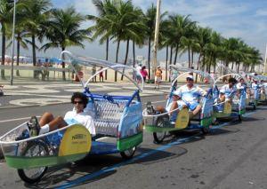 triciclos-na-orla-do-rio